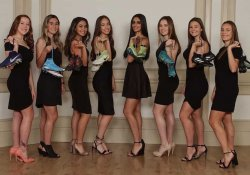 8 Hot Highschool Girls