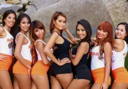 Hot Bangkok girls posing for picture